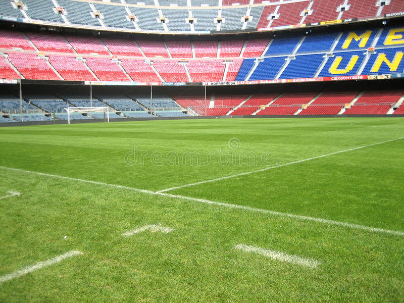 BARCELONA SPANIEN - April 28: Panoramautsikt av FC Barcelonastad arkivbilder