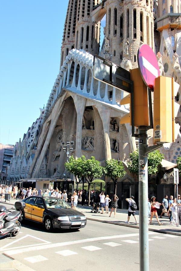 Barcelona Spanien, Augusti 2016 Sikt av den västra fasaden av den LaSagrada familjen arkivbilder
