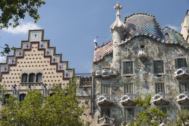 Barcelona Spanien: byggnader av Passeig de Gracia arkivbilder