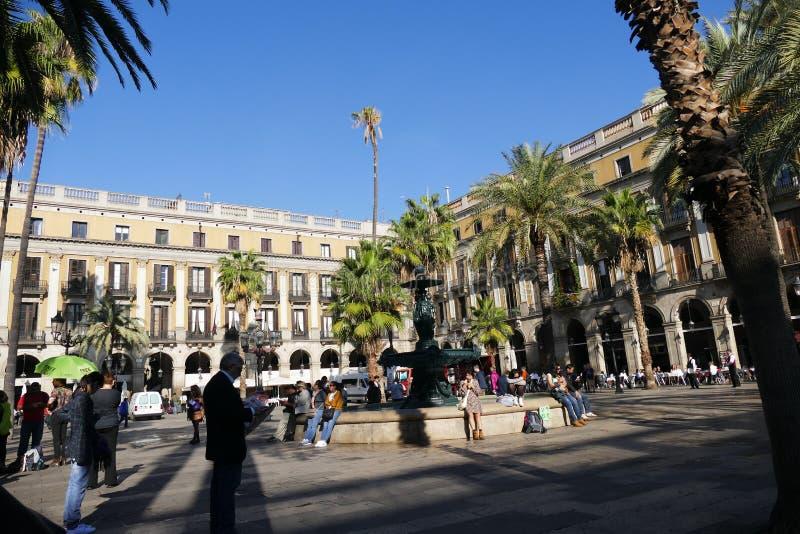 Barcelona Spanien circa den November 2016 Reial fyrkanten fotografering för bildbyråer