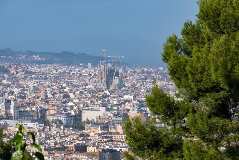 BARCELONA SPANIEN - September 26, 2018: Teleferic de Montjuic in arkivfoto