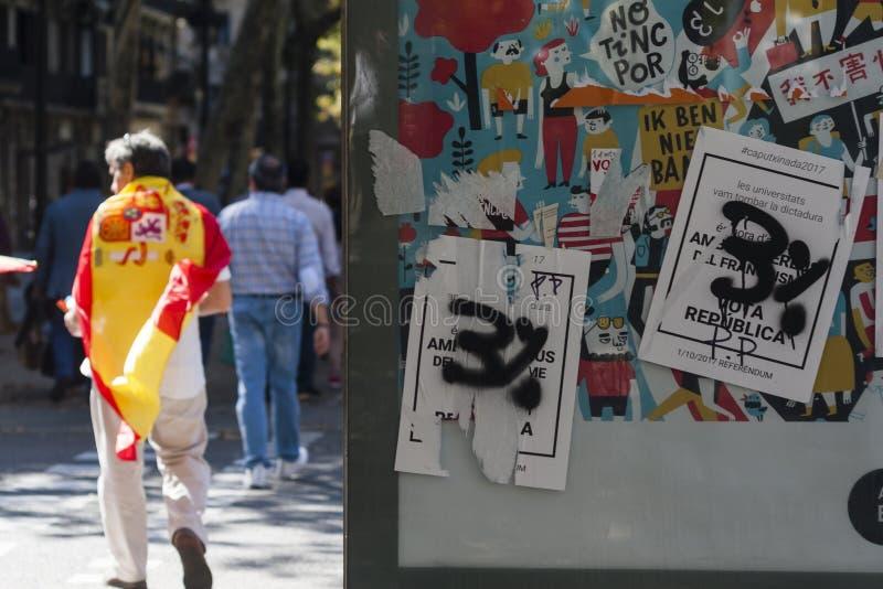Barcelona Spanien, 8th Augusti 2017: Affisch för självständighetfolkomröstning arkivbild