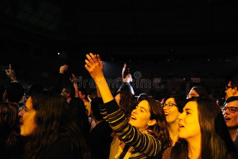 De band van Delafe y las Flores Azules presteert in Palau Sant Jordi royalty-vrije stock foto's