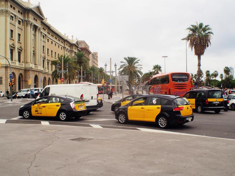 Yellow Cab Columbus >> Barcelona Tipical Taxis At Columbus Monument Runabout