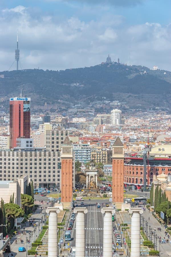 Barcelone, ‹Espagne d'†de ‹d'†- 12 mars 2019 : Vue de Plaza de Espana à Barcelone Colonnes et fontaine de Montjuic l'espagne image stock