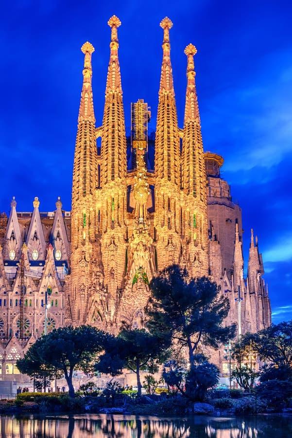 Barcelone, Catalogne, Espagne : Basicila et église expiatoire de la famille sainte, connus sous le nom de Sagrada Familia image libre de droits