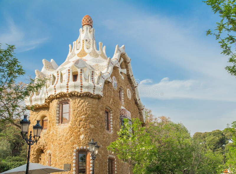 Barcelone, Espagne - 4 avril 2015 Bâtiment en parc Guell photo stock