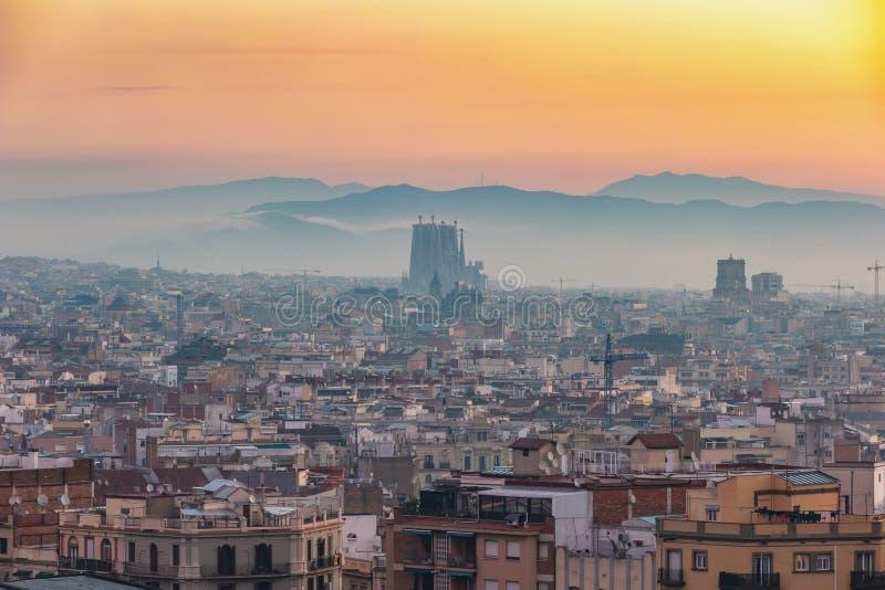 Barcelone Espagne Sunrise ville sky line au centre-ville image libre de droits