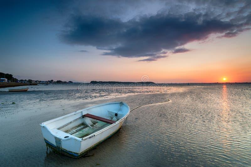 Barche alla spiaggia dei banchi di sabbia immagini stock