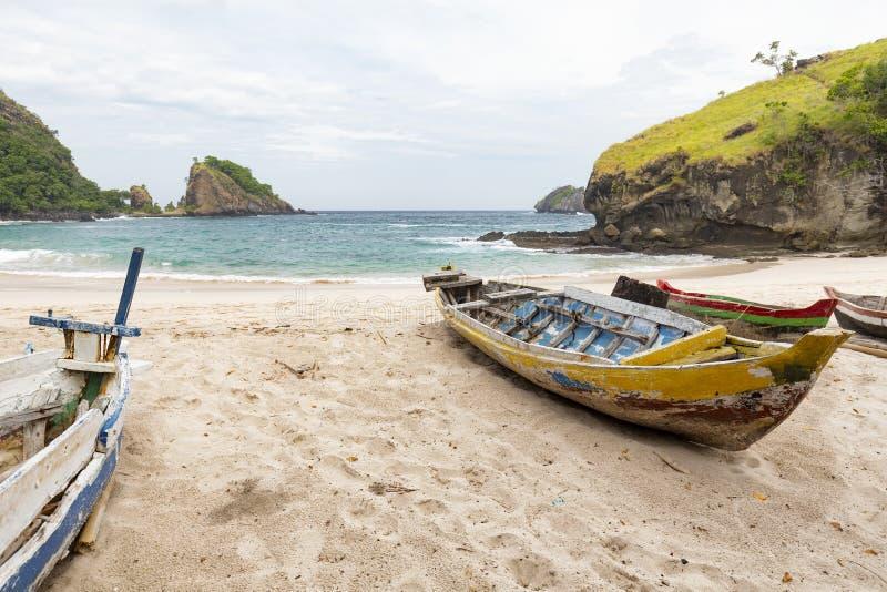 Barche alla spiaggia di Koka immagine stock