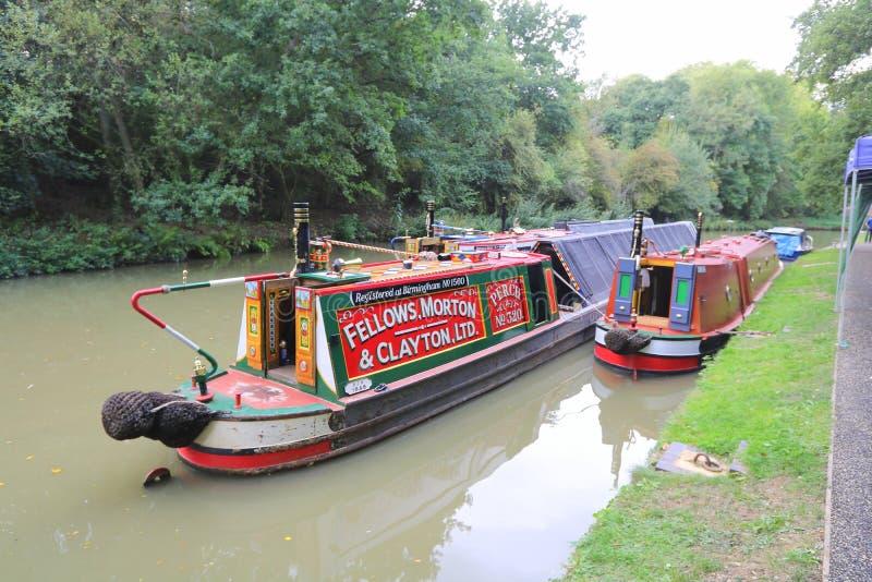Barche attraccate sul lato del canale fotografia stock