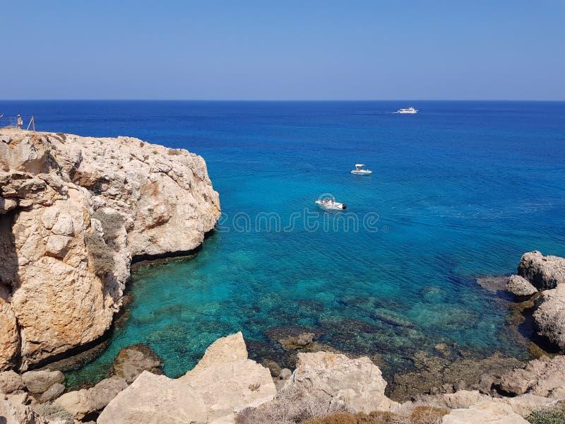 Barche in Aya Napa, Cipro immagini stock libere da diritti