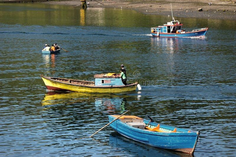 Barche dei pescatori con fotografia stock