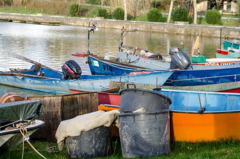 Barche dei pescatori del lago Bolsena fotografia stock libera da diritti