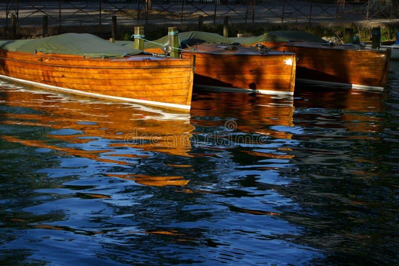 Barche di legno messe in bacino immagine stock libera da diritti