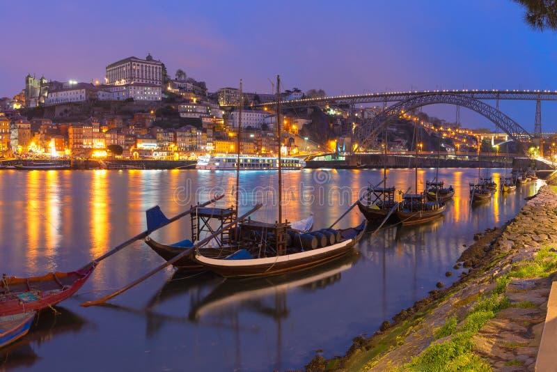Barche di Rabelo sul fiume del Duero, Oporto, Portogallo immagini stock libere da diritti