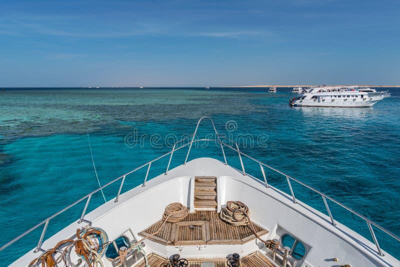 Barche di tuffo della barriera corallina fotografia stock libera da diritti