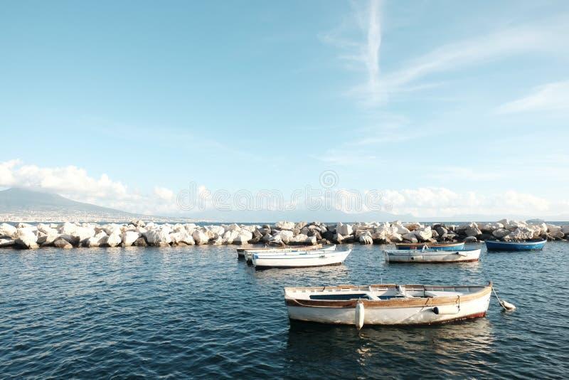 Barche in Napoli, Italia fotografia stock libera da diritti