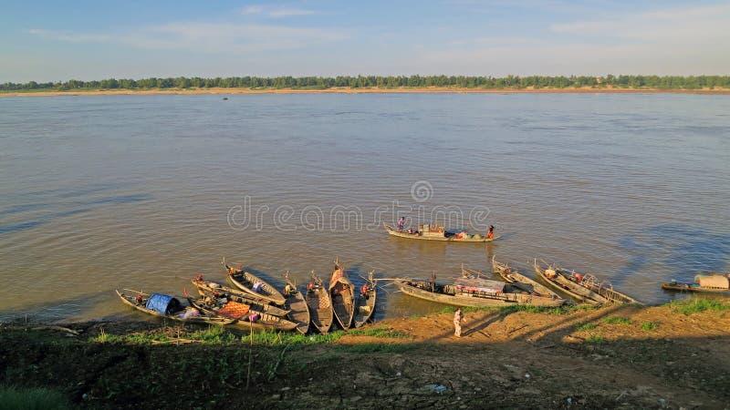 Barche nel fiume di Mekong fotografie stock libere da diritti