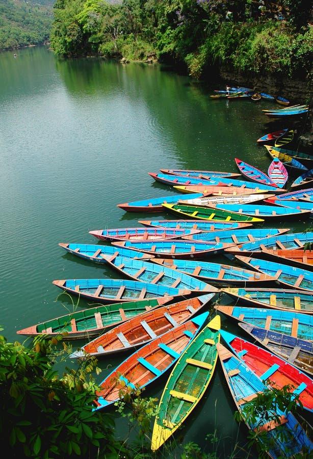 Barche nel lago fotografie stock