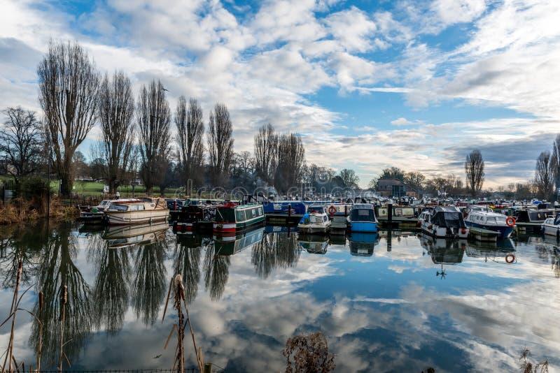 Barche parcheggiate al porticciolo a Northampton fotografia stock libera da diritti