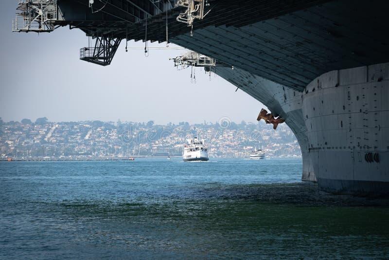Barche Turistiche a Midway Bow fotografia stock libera da diritti