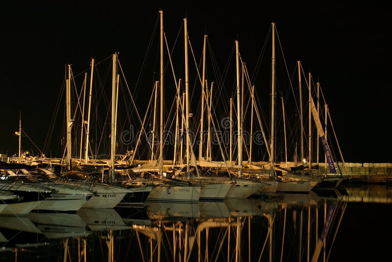 barche in un bacino fotografia stock libera da diritti