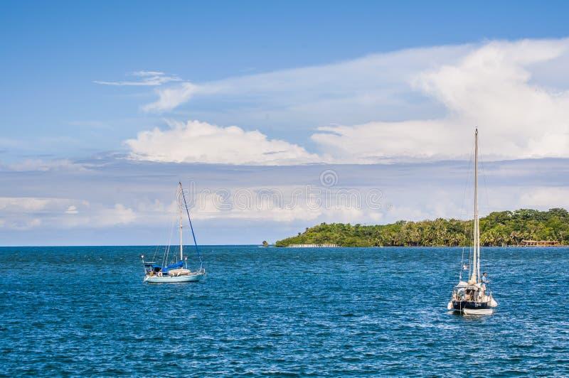 Barche a vela in Bocas, Panama immagine stock