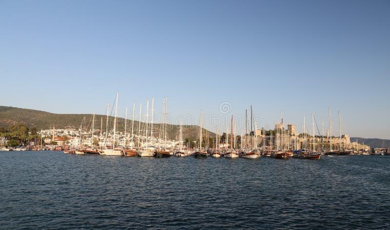 Barche a vela nel porticciolo di Bodrum immagine stock libera da diritti