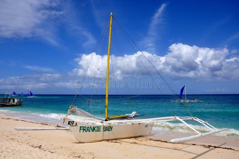 Download Barche A Vela In Puka Beach Fotografia Stock Editoriale - Immagine di navigazione, filippino: 56890573