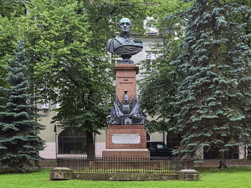 Barclay de Tolly-Monument in Tartu, Estland stockfotos