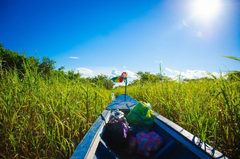 barco ao sol foto de stock