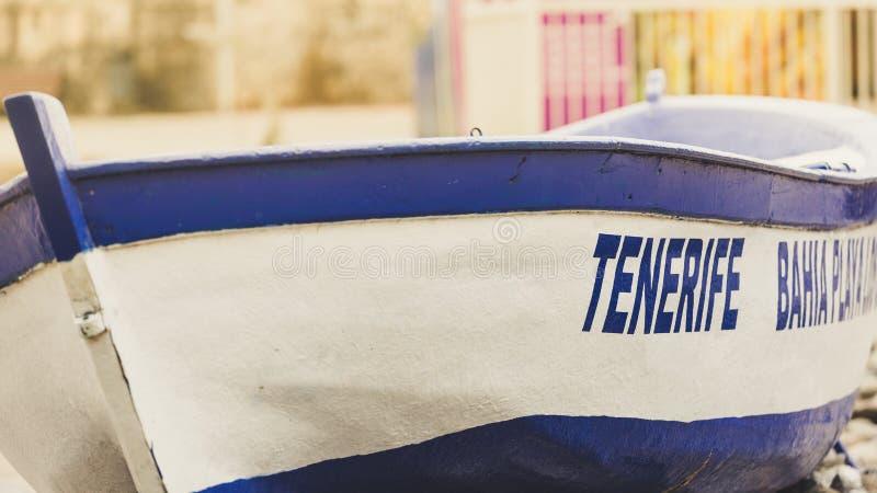 Barco característico com inscrição Tenerife fotografia de stock