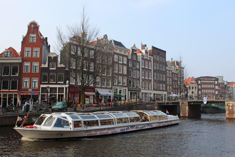 Barco da excursão de Amsterdão imagem de stock royalty free