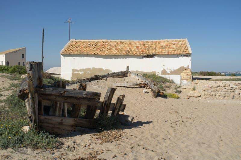 Barco da mina de sal velho fotos de stock