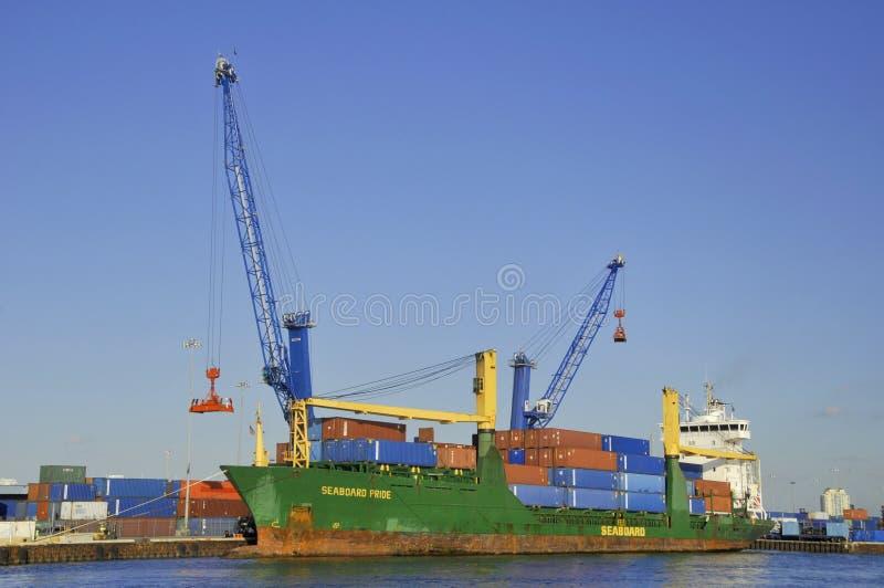 Barco de carga fotografia de stock royalty free