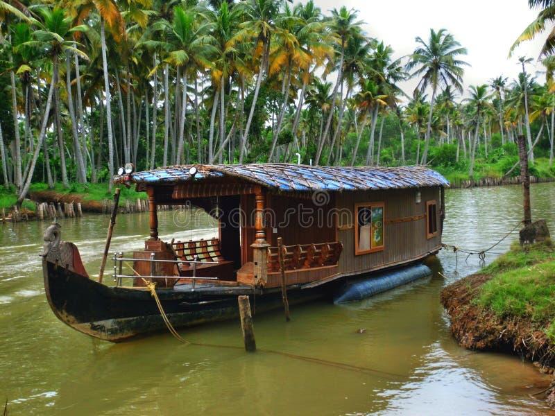Barco de casa/choza originales fotografía de archivo