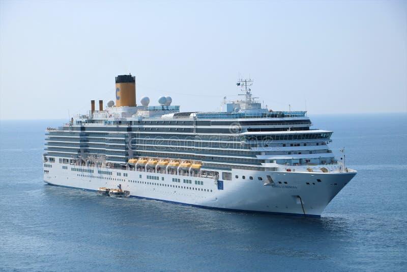 Barco de cruceros Costa Luminosa fotografía de archivo
