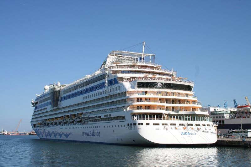 Barco de cruceros de AIDA imagen de archivo