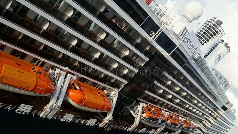 Download Barco De Cruceros De Holland America Westerdam En Turco Magnífico Foto de archivo editorial - Imagen de travesía, litera: 64202453