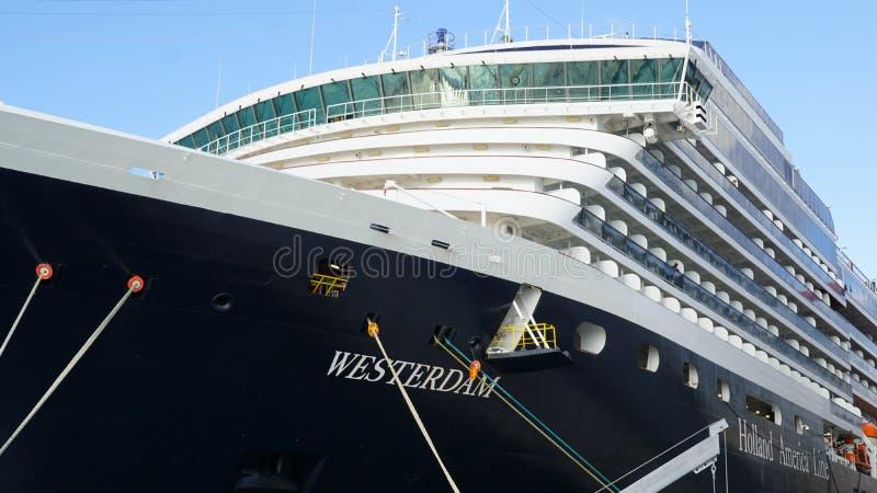 Download Barco De Cruceros De Holland America Westerdam En Turco Magnífico Imagen editorial - Imagen de sueño, cubierta: 64202465
