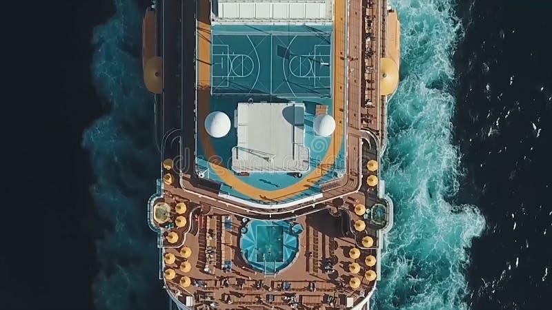 Barco de cruceros en el puerto Barco de cruceros en el mar azul existencias Vista aérea de la nave blanca grande hermosa en la pu foto de archivo libre de regalías
