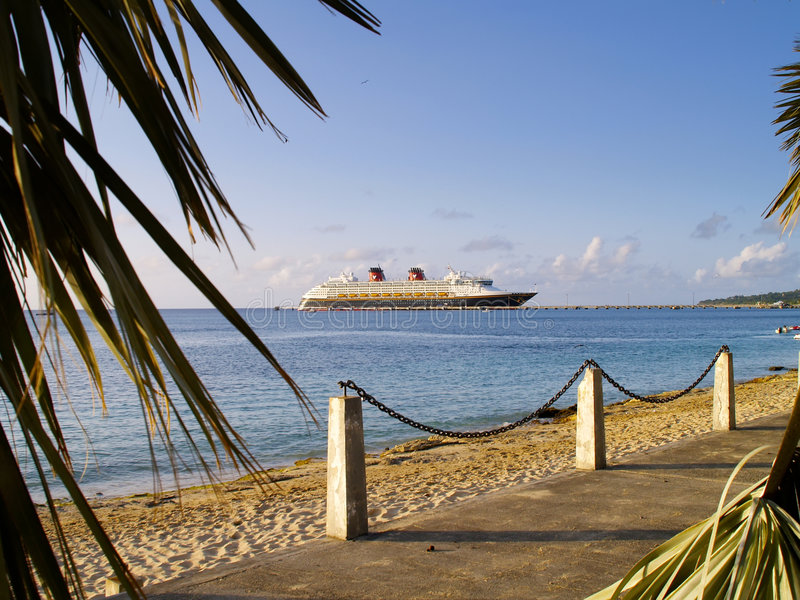 Barco de cruceros en St. Croix imagen de archivo libre de regalías