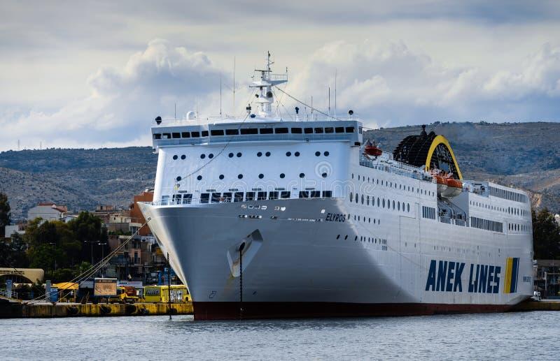 Barco de cruceros griego imagen de archivo libre de regalías