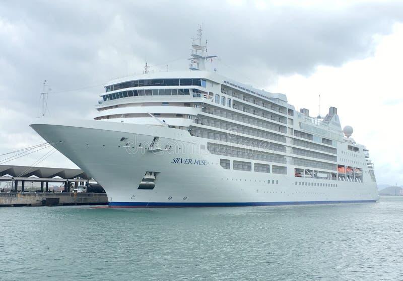 Barco de cruceros de lujo de la musa de plata en Puerto Rico imágenes de archivo libres de regalías