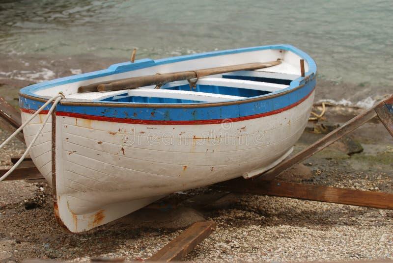 Barco de fila viejo imagen de archivo libre de regalías