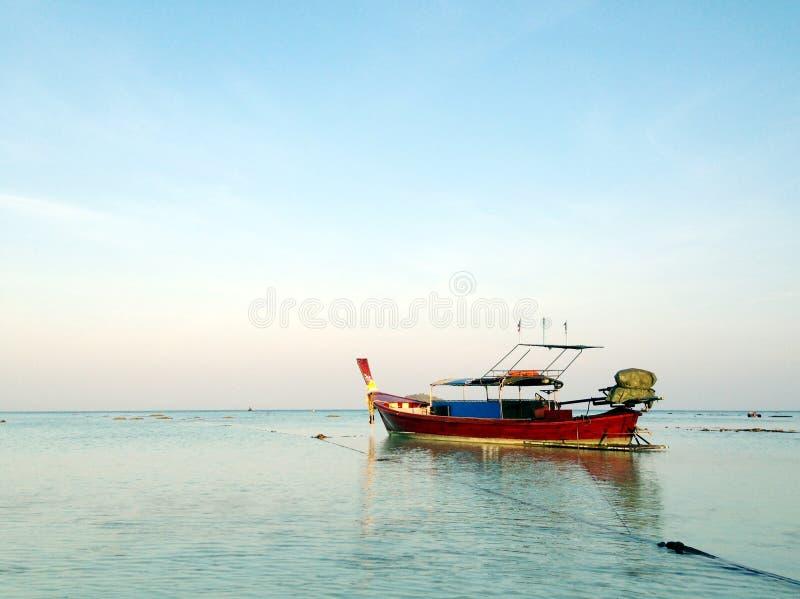 Barco de la cola larga fotos de archivo