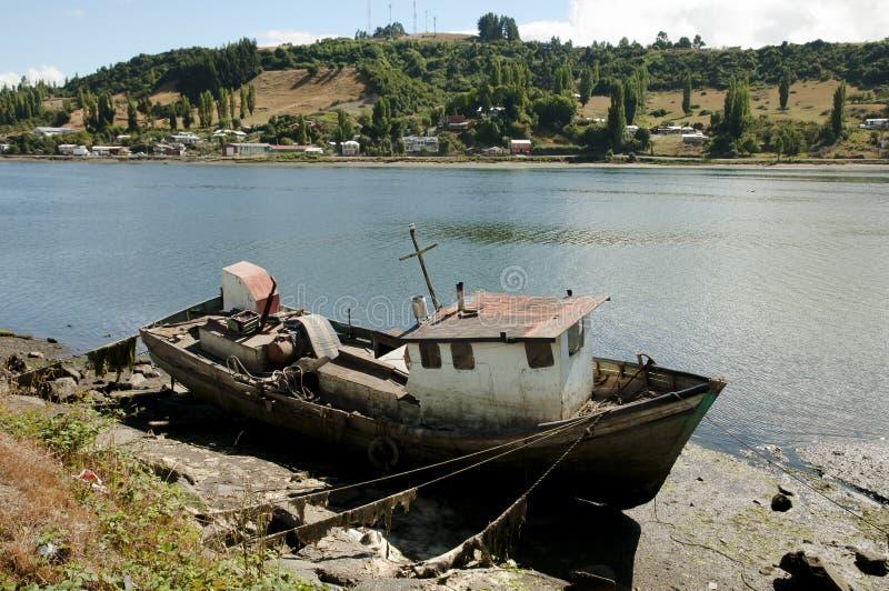 Barco de los pescadores - Castro Bay - Chile imágenes de archivo libres de regalías