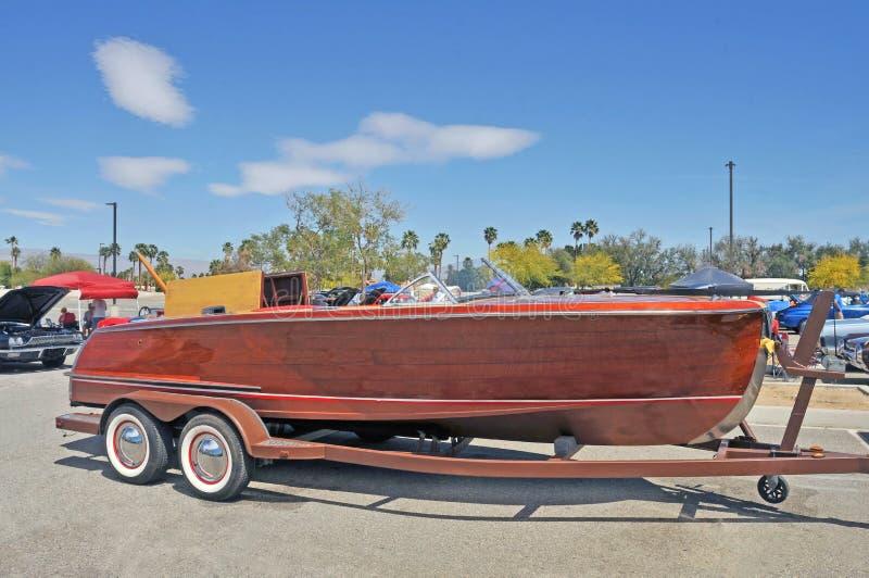 Barco de madeira de mogno da velocidade do vintage foto de stock royalty free