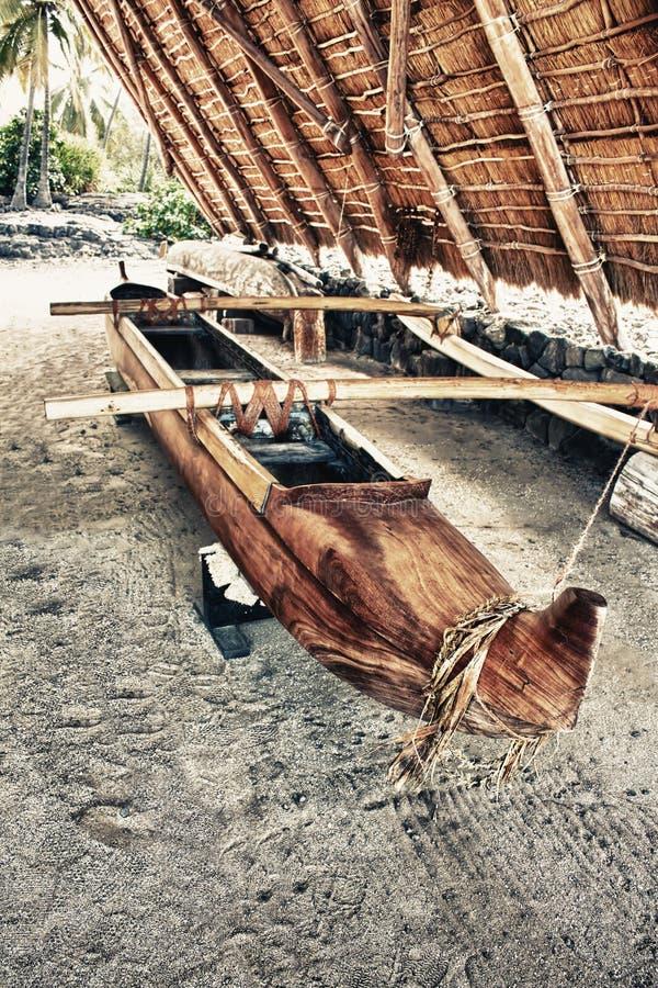 Barco de madeira primitivo imagens de stock